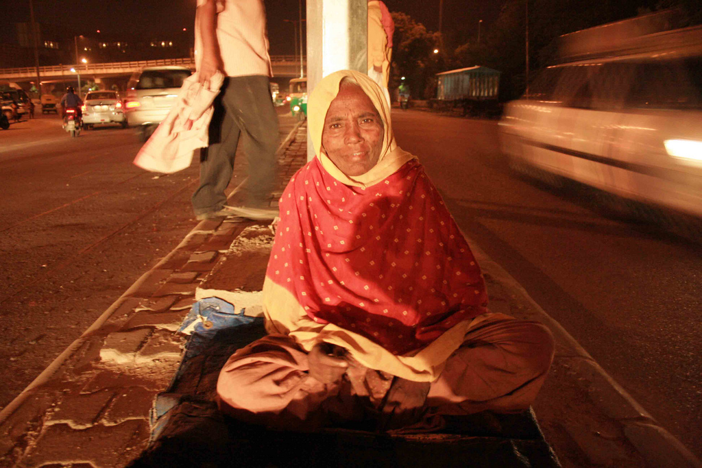 Mission Delhi - Noor Bano, Lodhi Road Divider