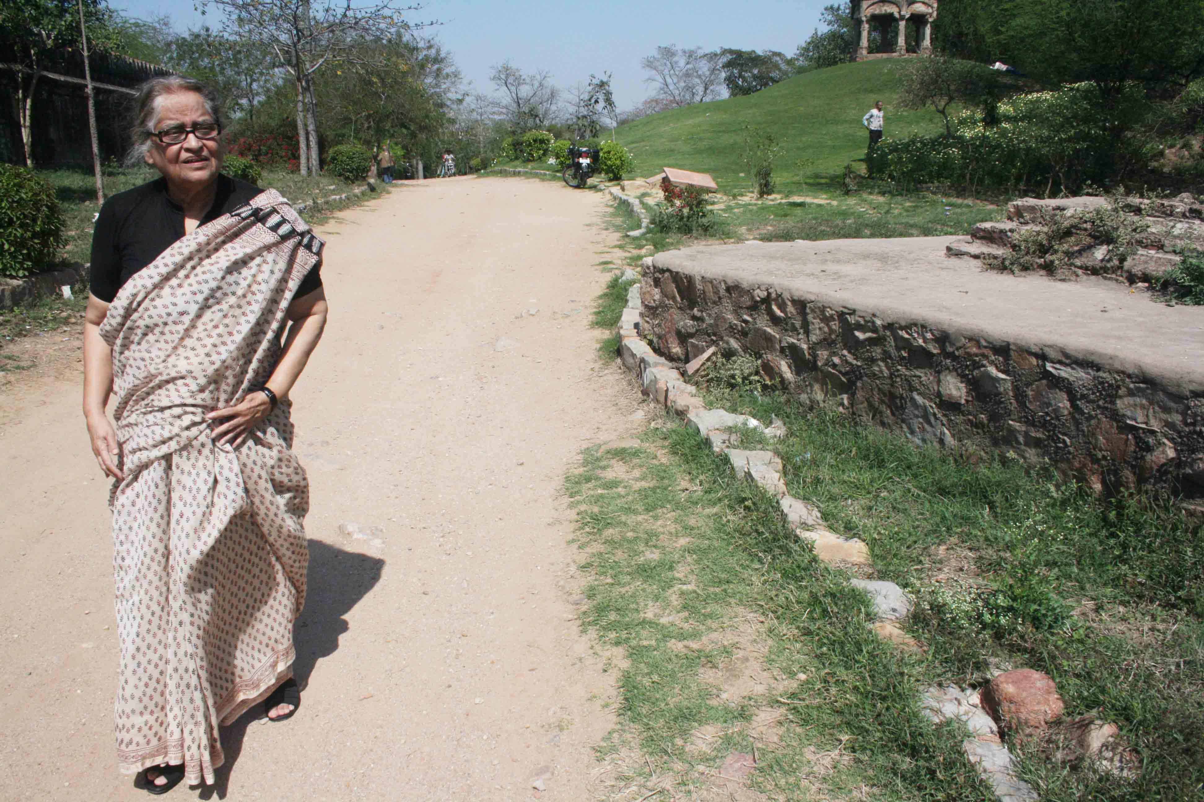 Delhi's Bandaged Heart – Pakistan's Poet Zehra Nigah, Mehrauli