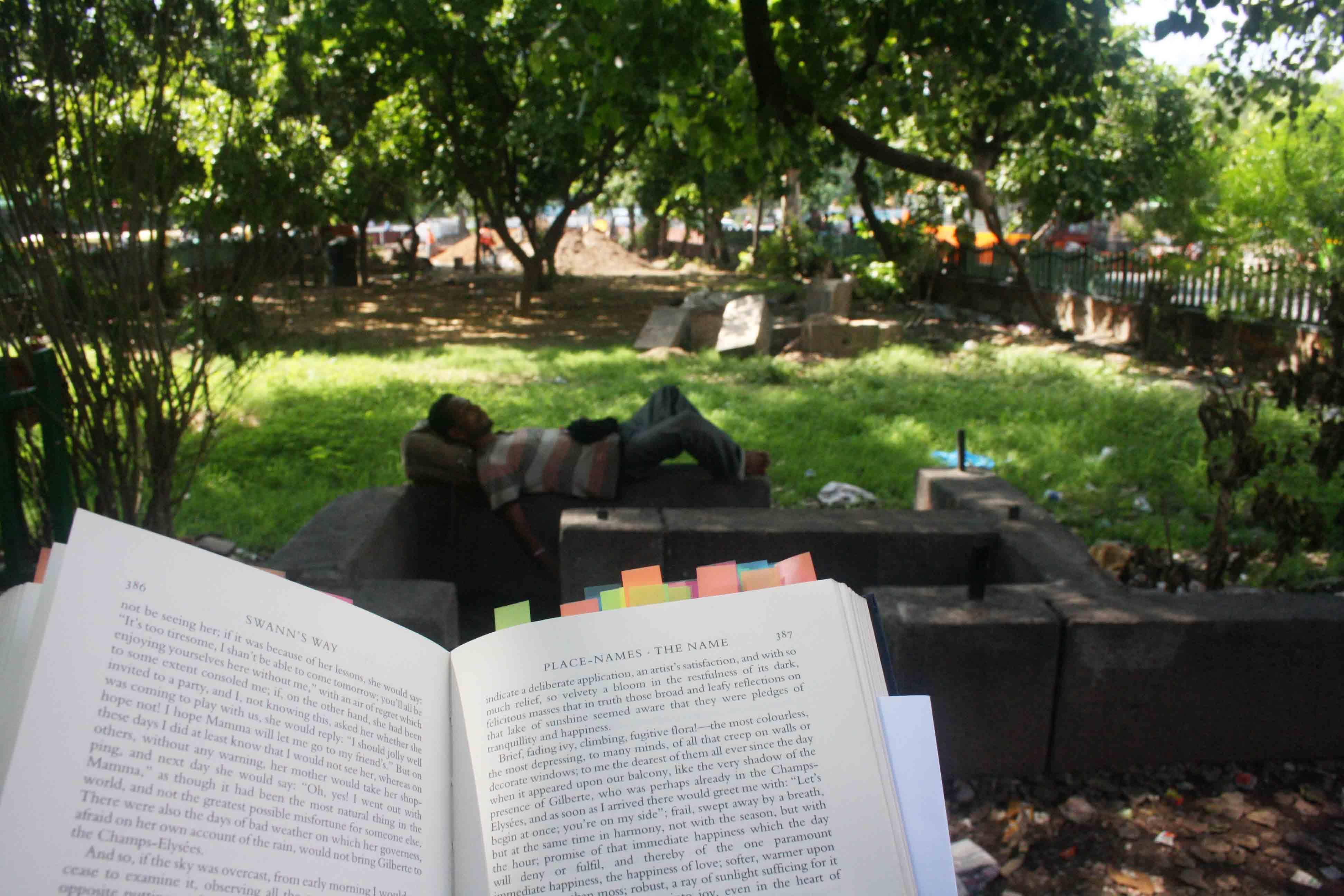 City Reading – The Delhi Proustians XXVI, Dilli Gate