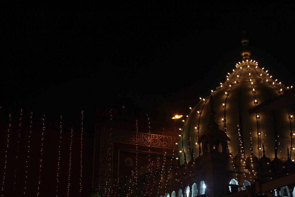 City Faith - Ghusal Sharif, Hazrat Nizamuddin Dargah