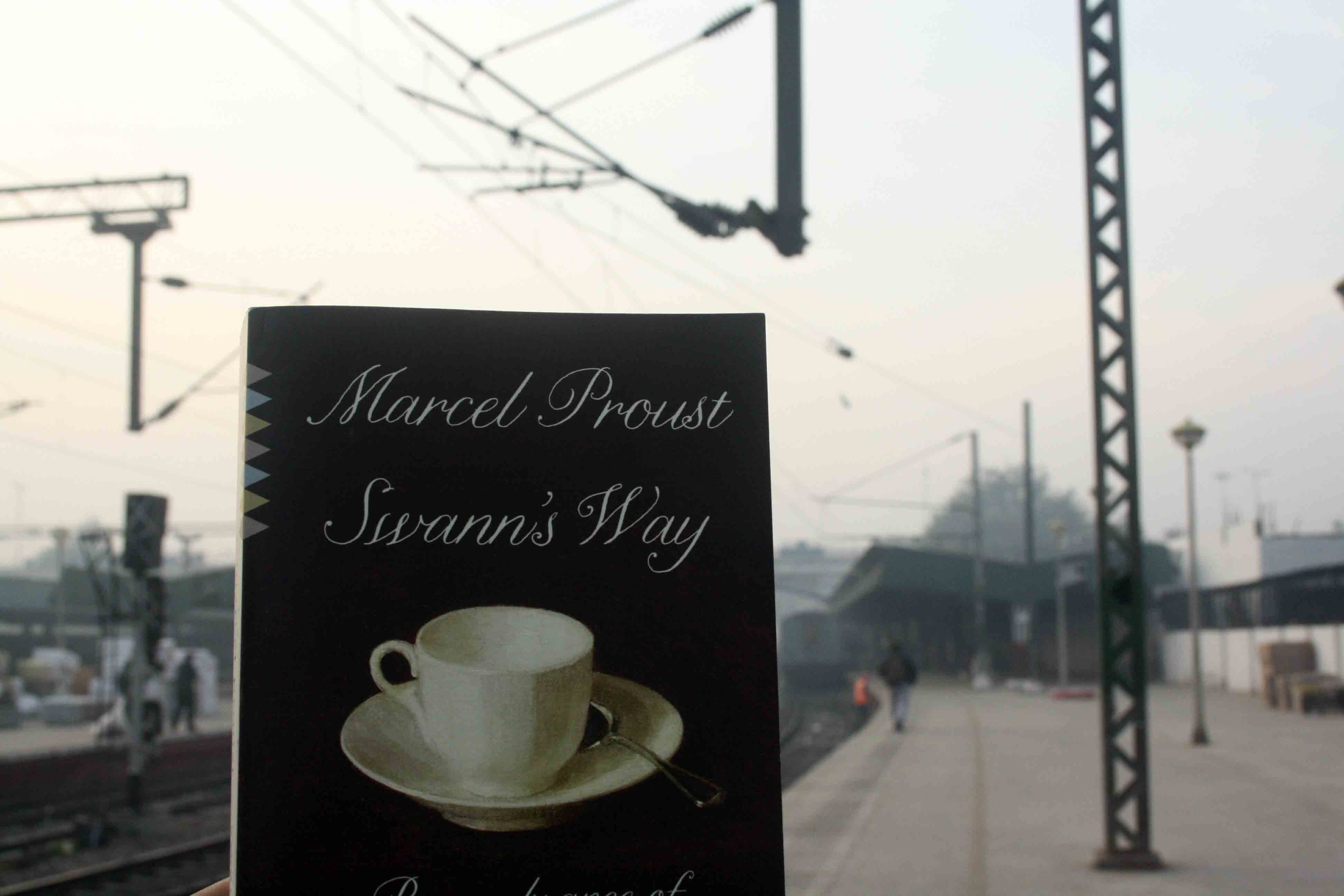 City Reading – The Delhi Proustians XXXVII, New Delhi Rail Station