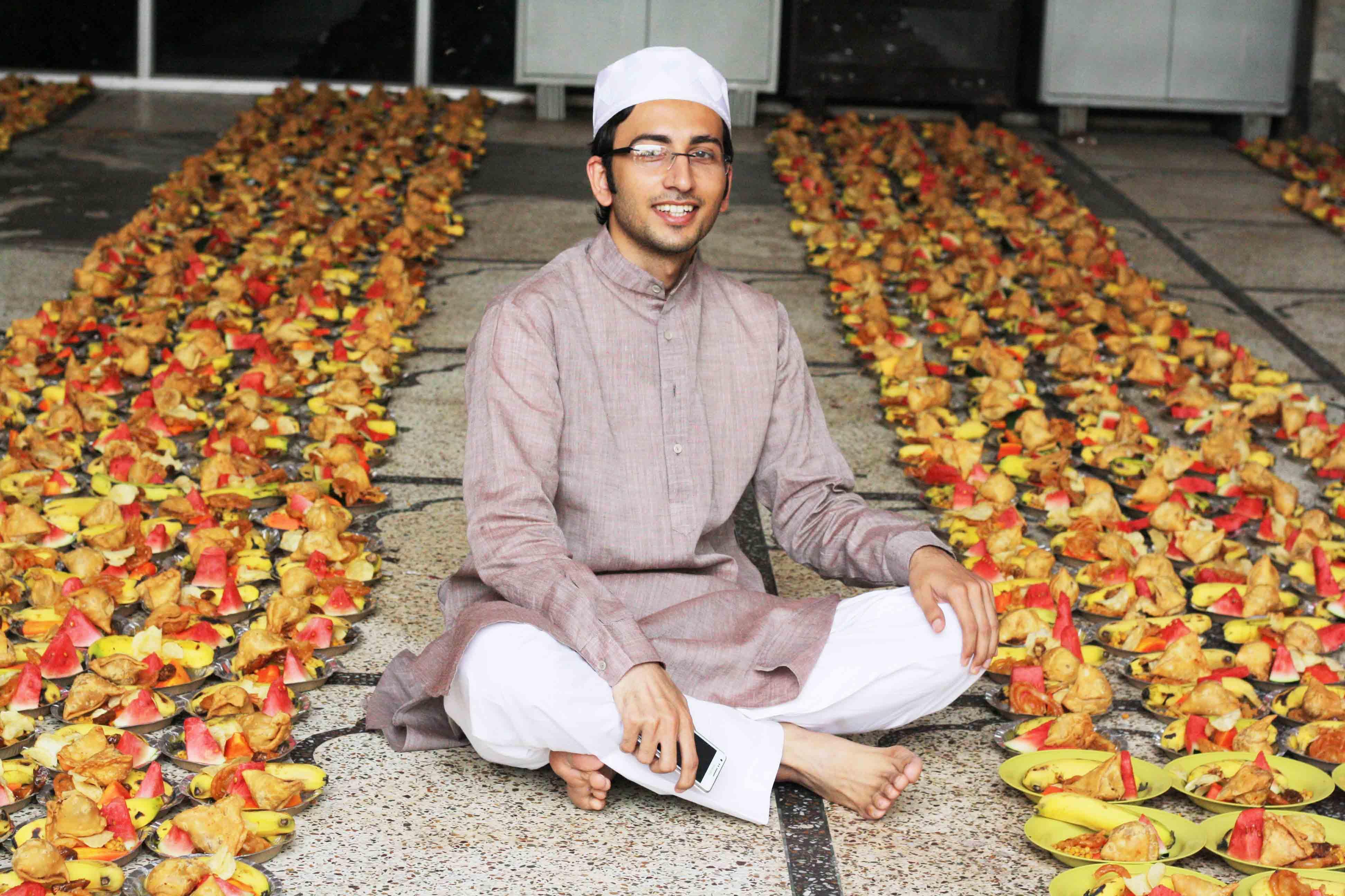 City Food – Iftar Snacks, Hazrat Nizamuddin Auliya's Dargah