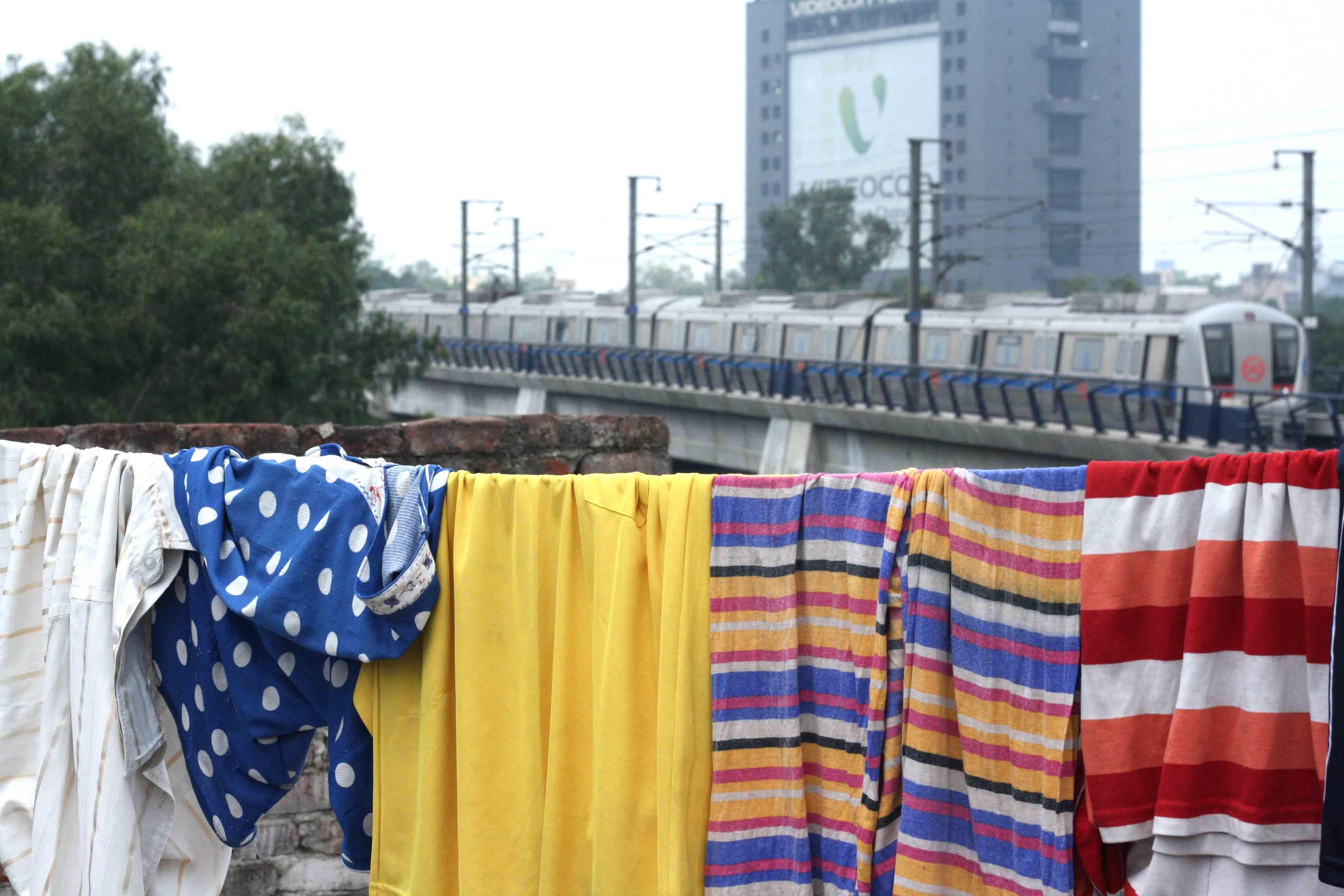 Delhi Metro - Trainspotting, Around Town
