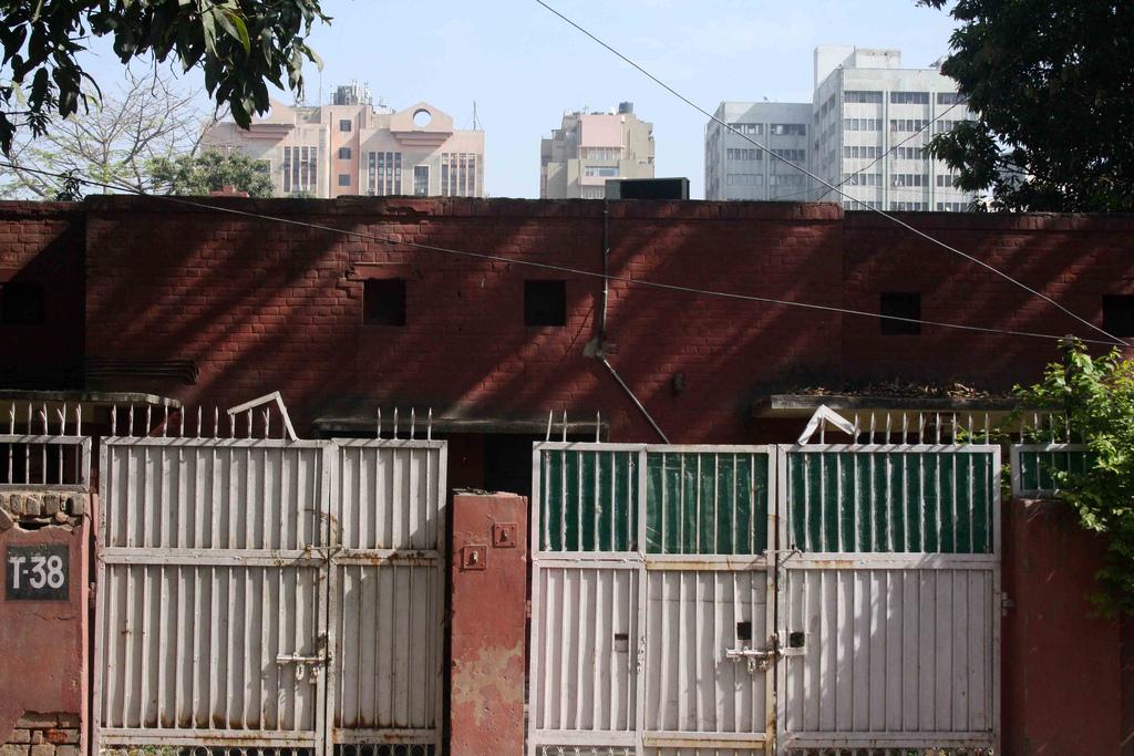 Atget's Corner – 121-125, Delhi Photos