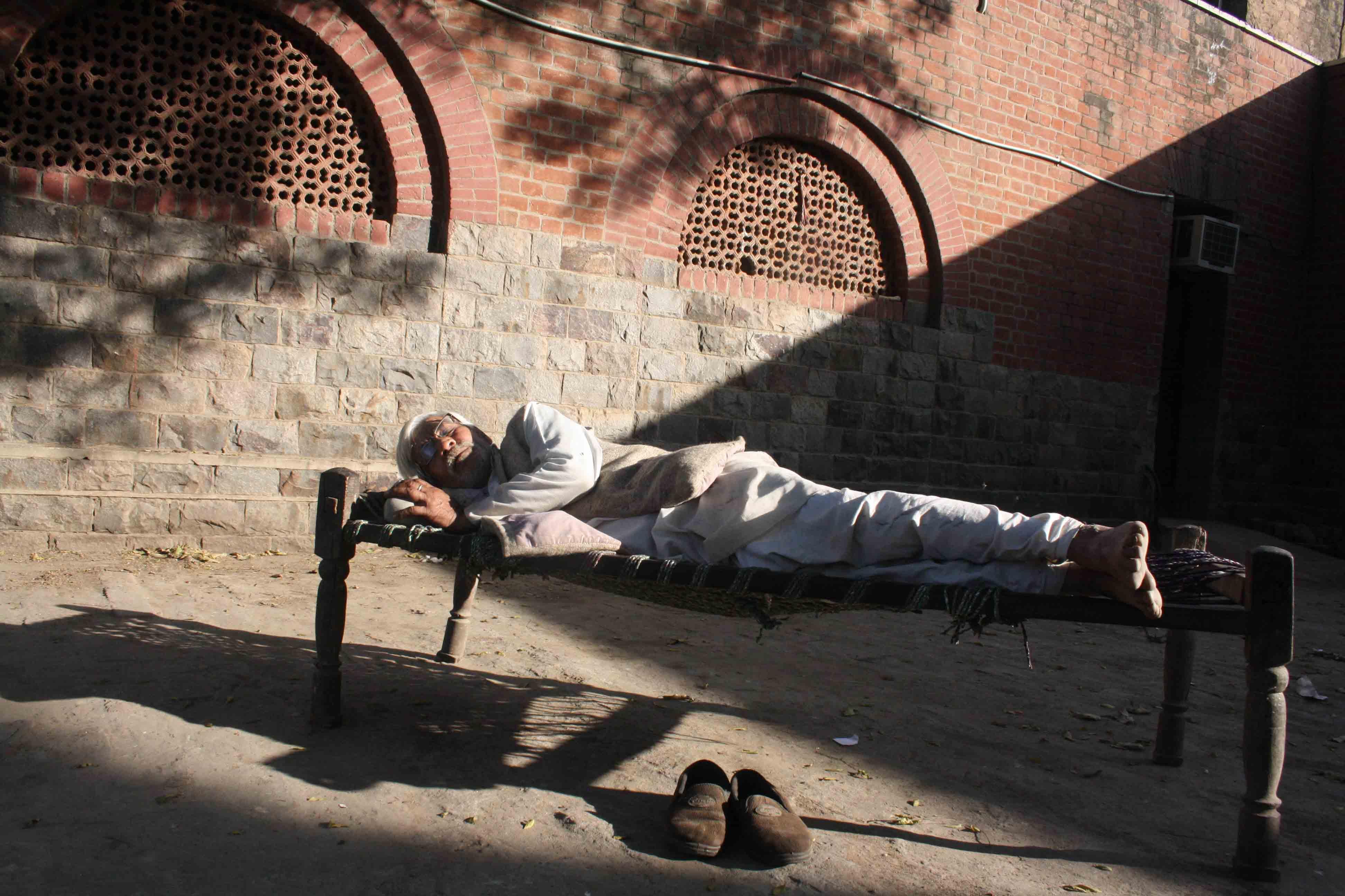 City Obituary – Historian Ramachandra Guha On Rohtas, The Samosa Man of St Stephen's College
