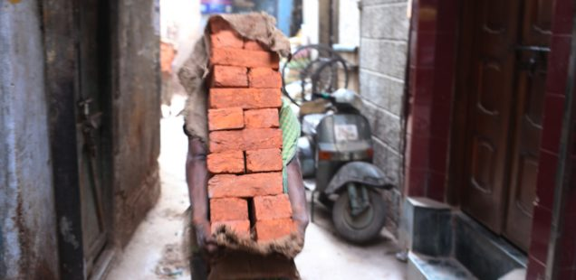 City Life - Back of Labourers, Entire Delhi Region