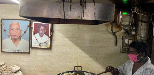 City Food - Spring Roll and Other Fries, Khandani Pakodawala