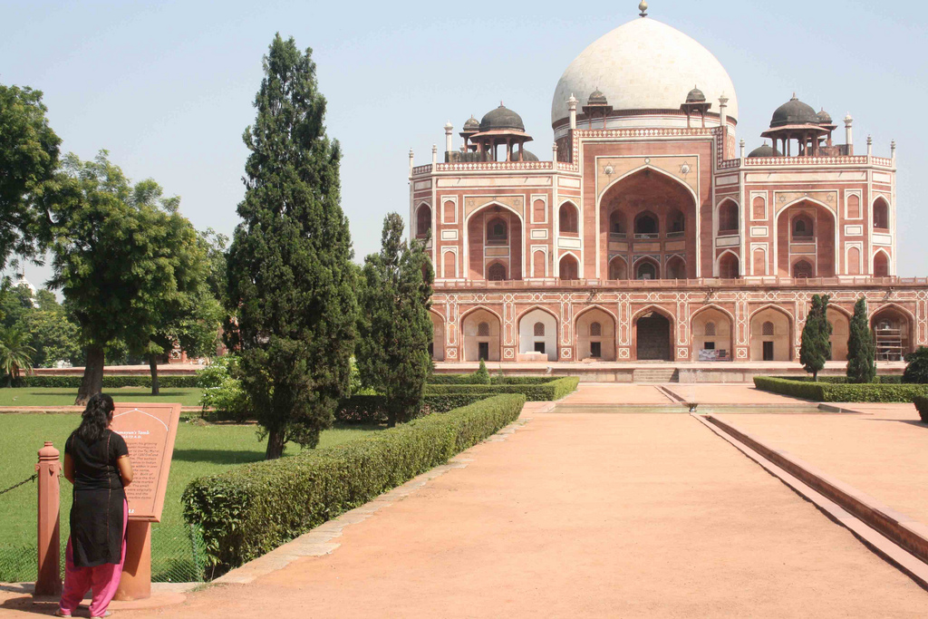 Memo from Humayun's Tomb – Two Aussies in Delhi