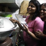 City Food – Julia Child Cooks Litti Chokha in Mayur Vihar-I