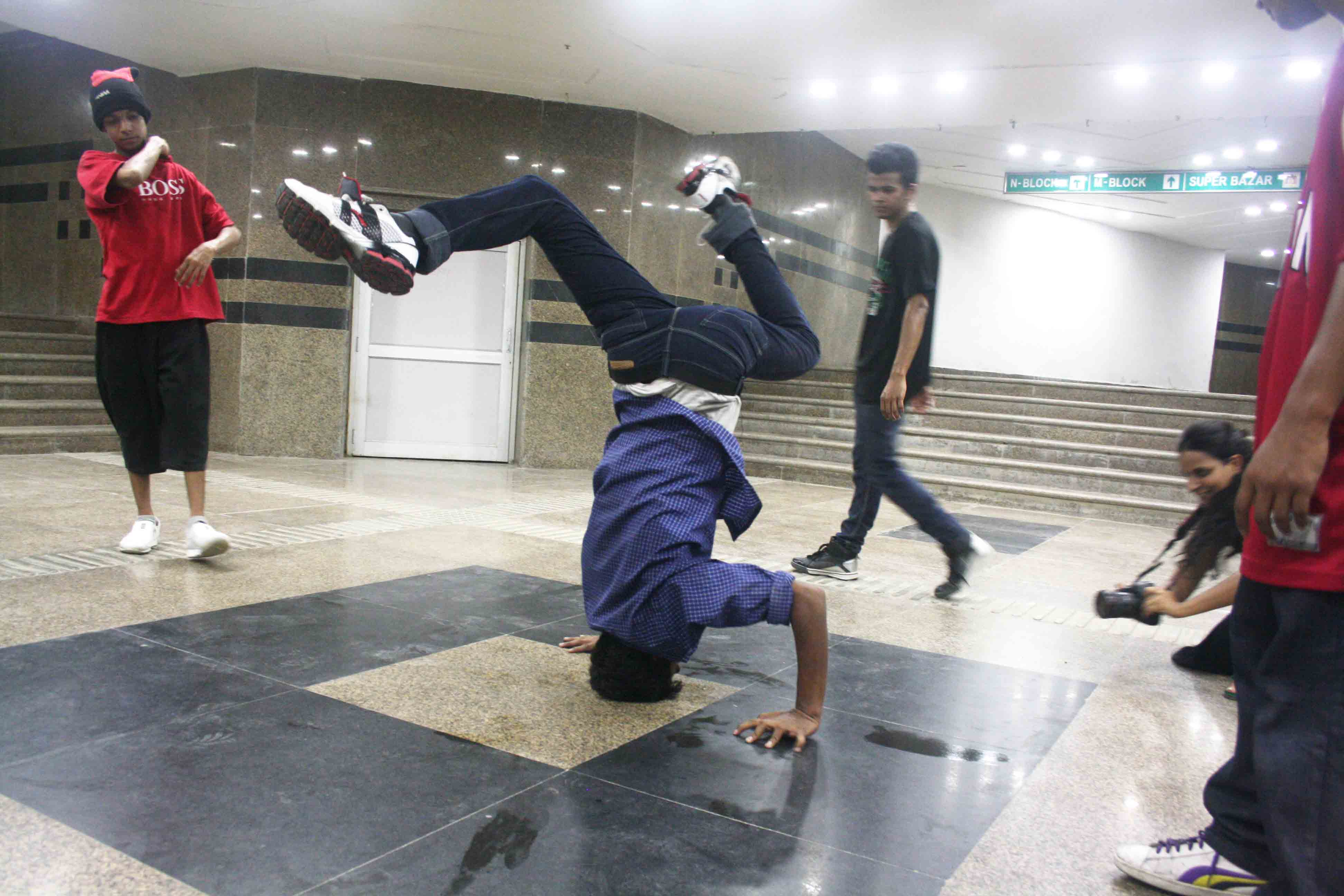 City Culture – B-boying, Connaught Place Subway