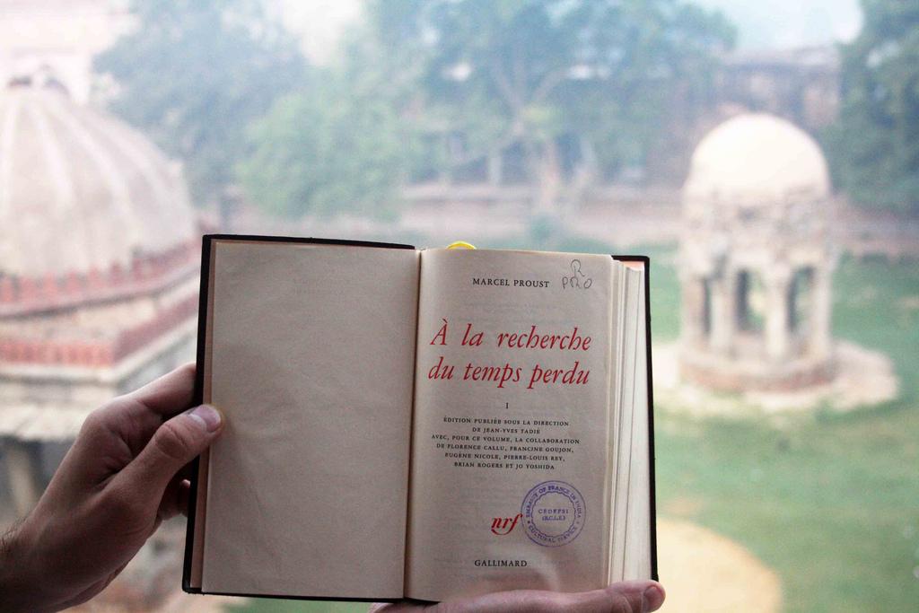 City Notice – The Delhi Proustians XXIII, Outside Humayun's Tomb