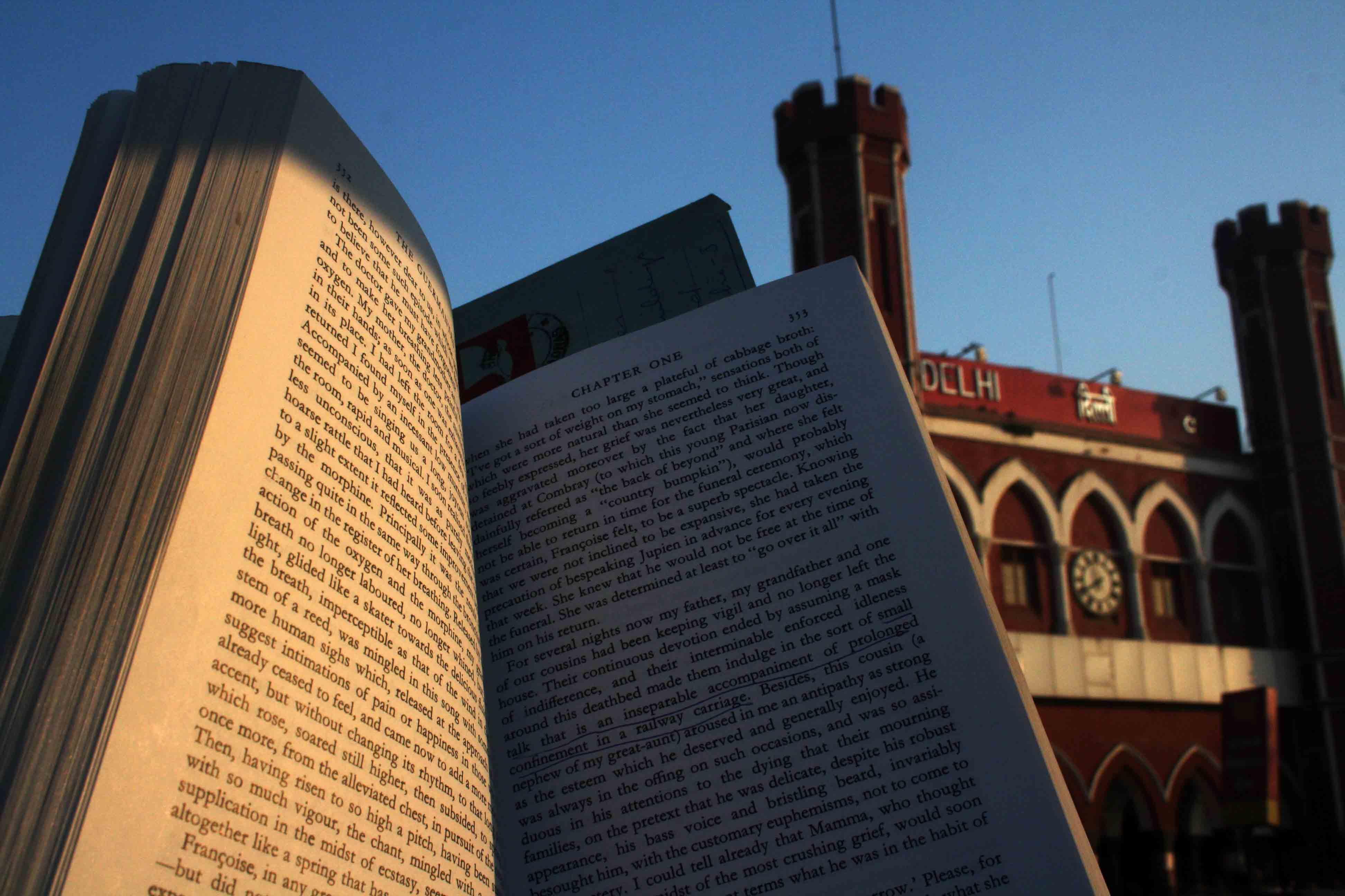 City Reading – The Delhi Proustians XXXIV, Old Delhi Railway Station