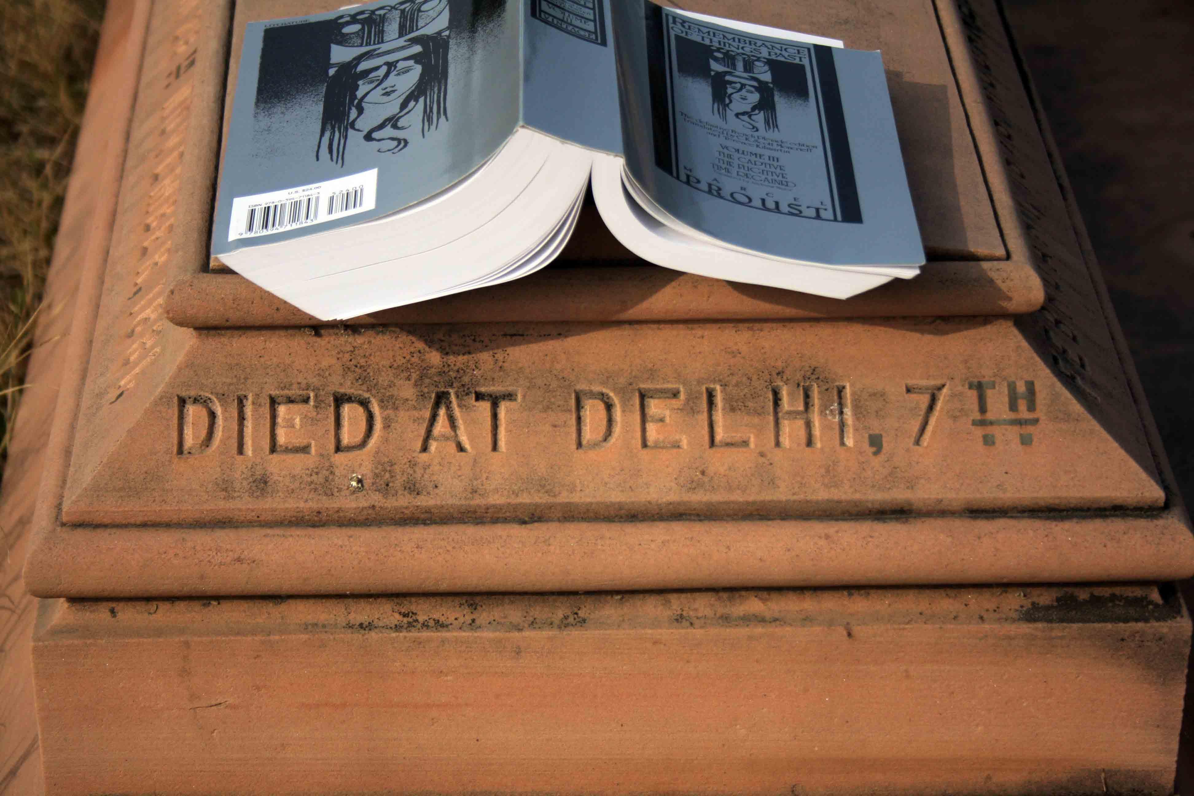 City Reading – The Delhi Proustians XXXVI, Nicholson Cemetery