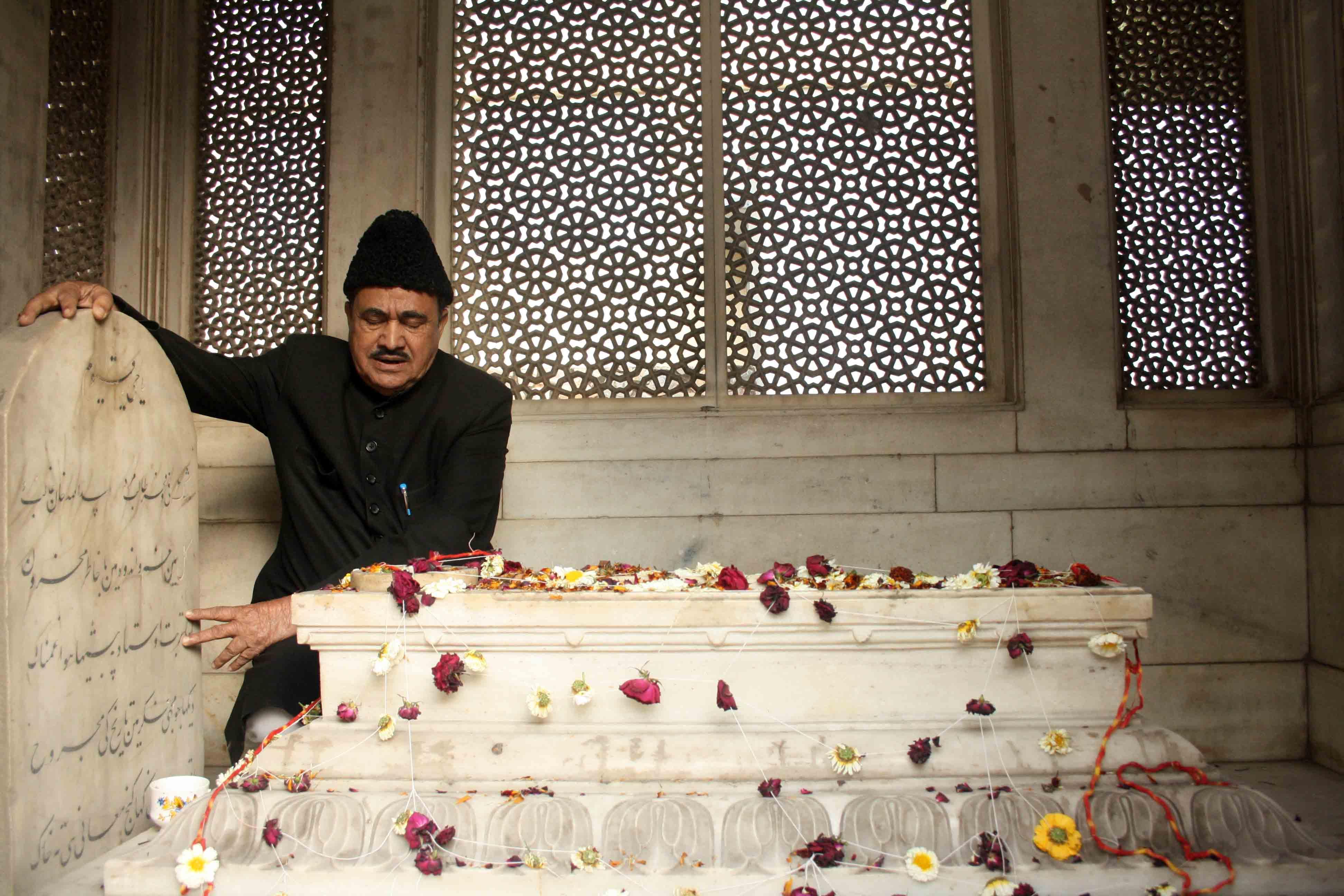 City Moment – Prayer for the Poet, Ghalib's Tomb