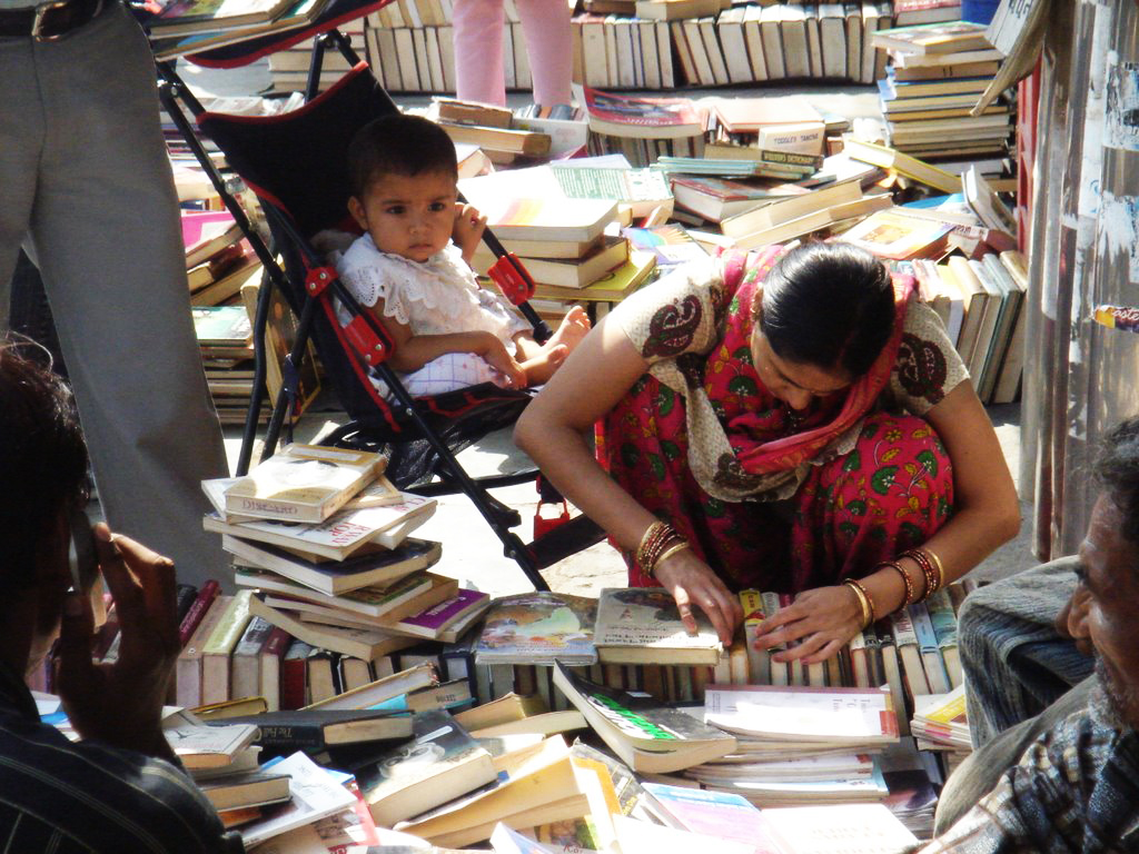 City Hangout - Sunday Used-Book Bazar, Daryaganj
