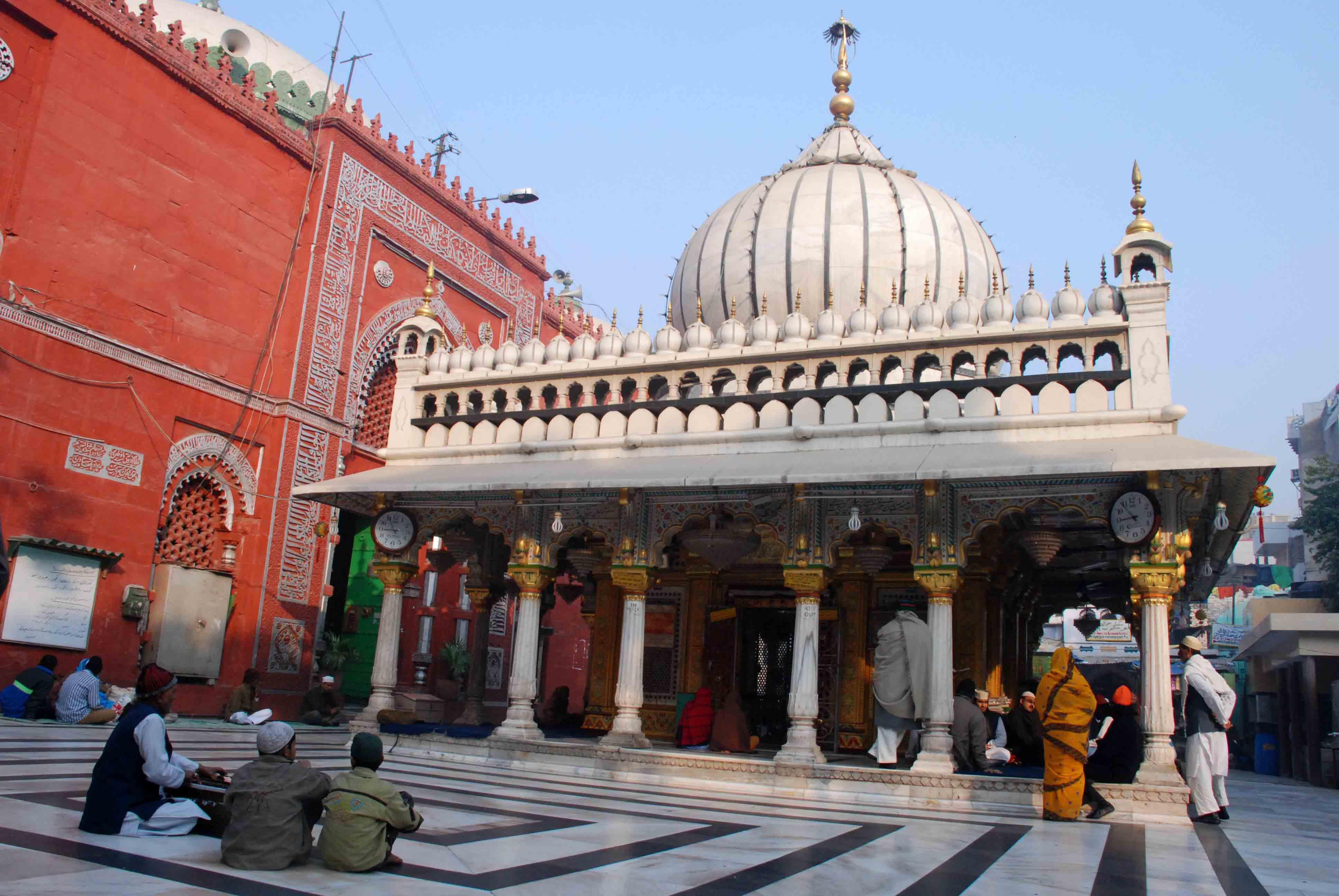 Atget's Corner – 511-515, Delhi Photos