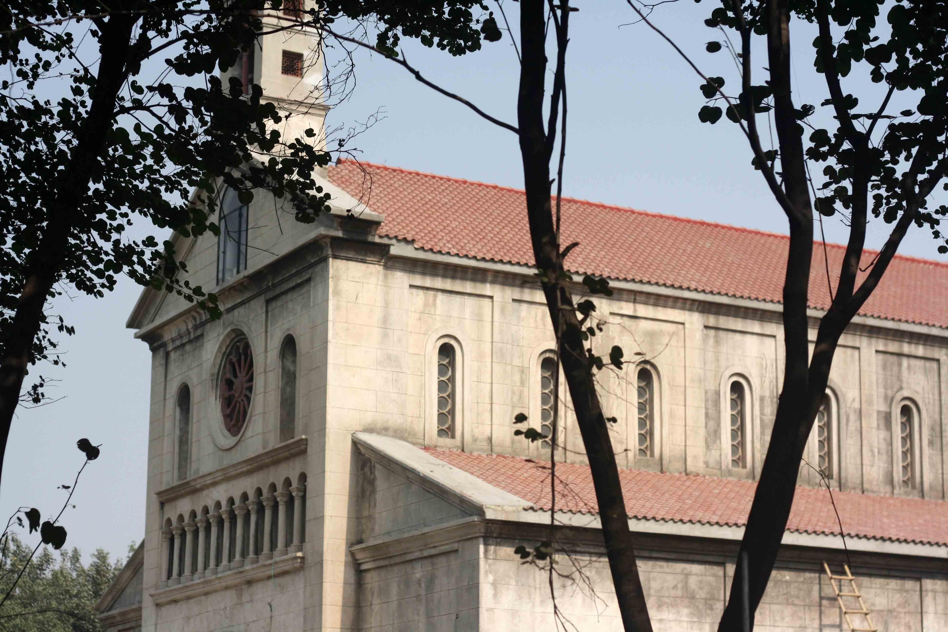 City Monument – St Mary's Catholic Church, SP Mukherjee Road