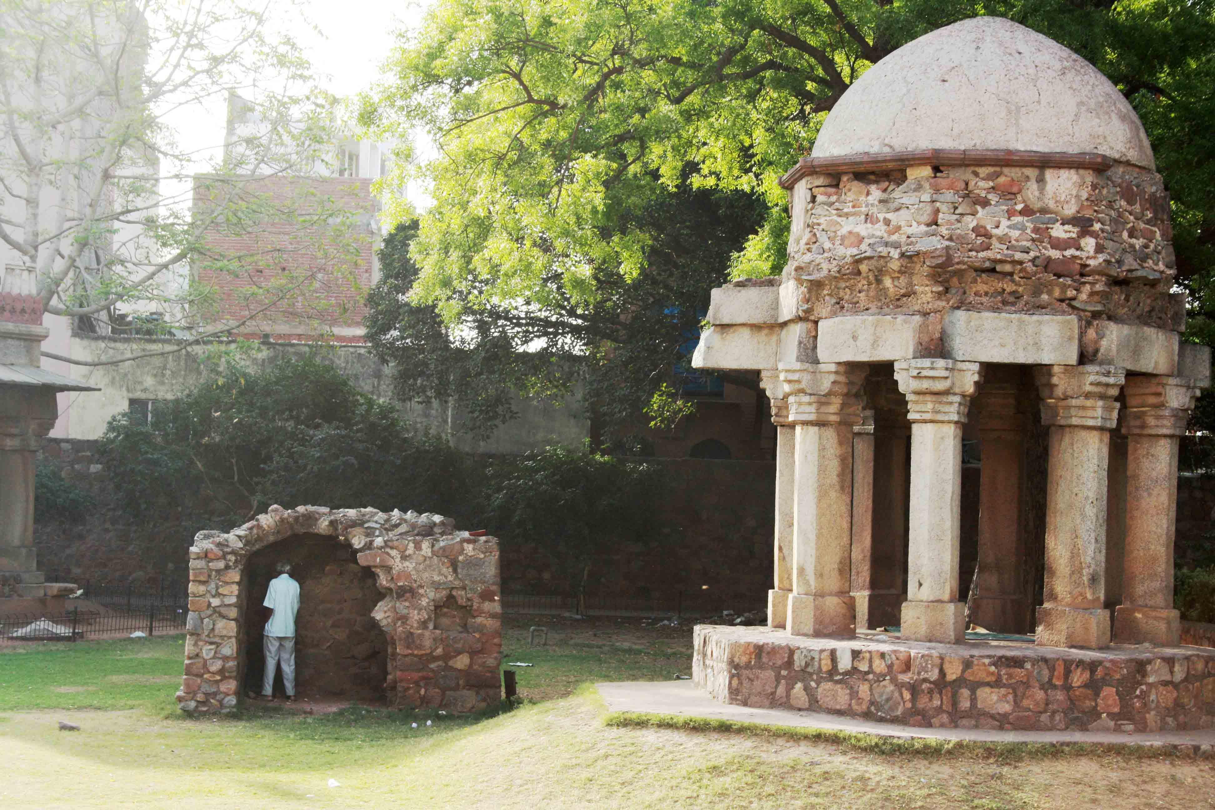Atget's Corner – 726-730, Delhi Photos