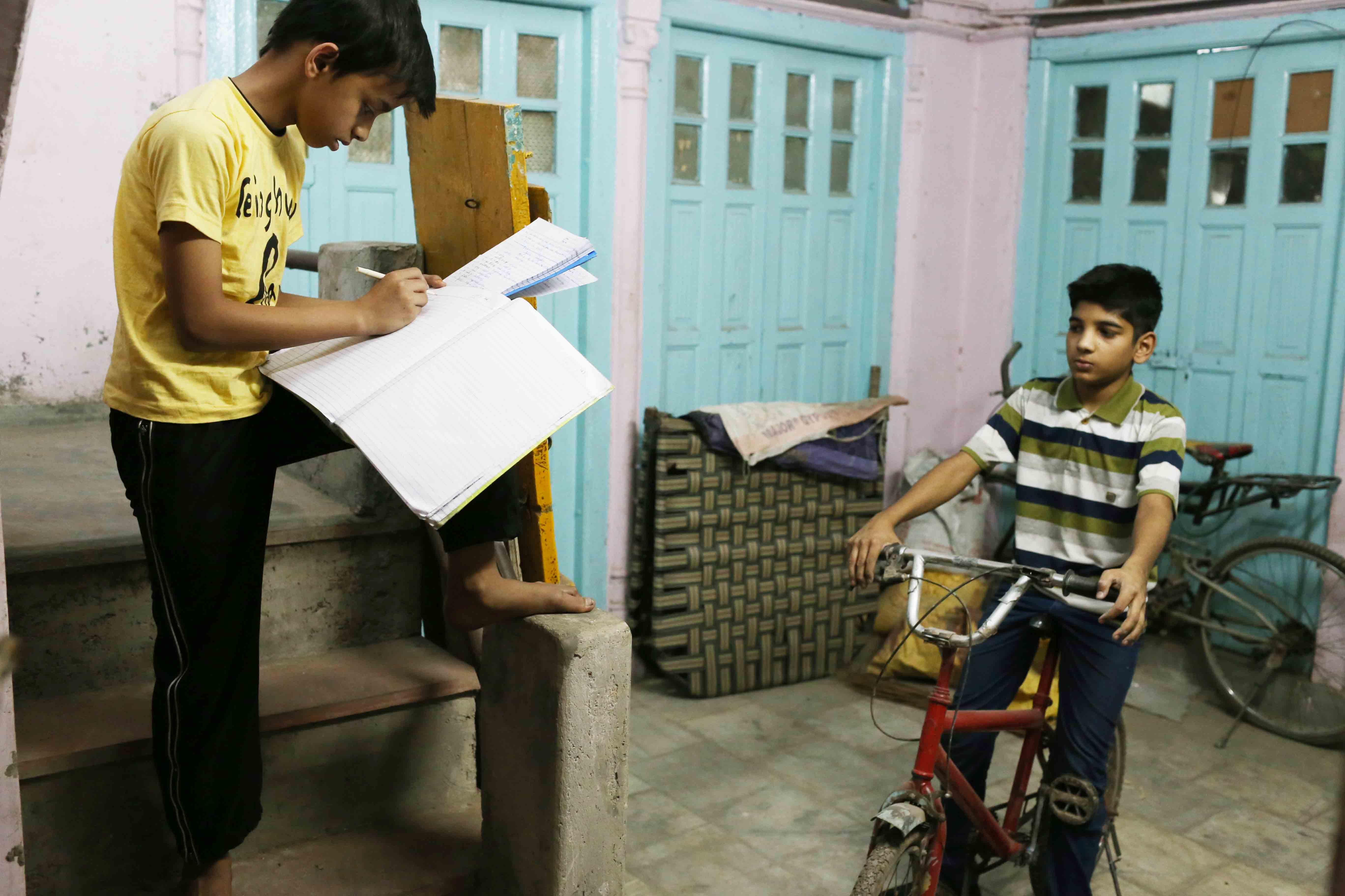 Atget's Corner – 746-750, Delhi Photos