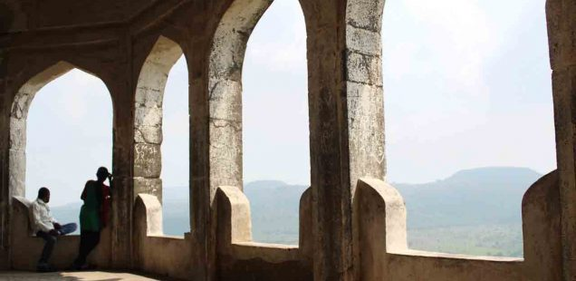 Letter from Another Delhi -- A Walk in Daulatabad, the Tughlaqs' Other Capital
