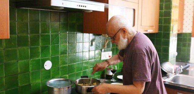 Julia Child in Delhi – Author Pushpesh Pant Makes His Cool Mutton Khichri, Gurgaon