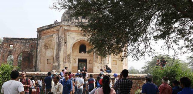 City Walk - Historian William Dalrymple's Guided Tour, Mehrauli Ruins