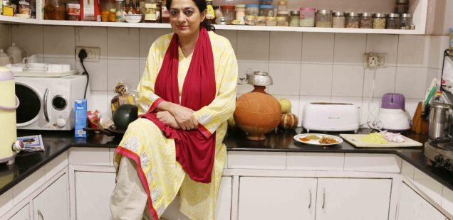Julia Child in Delhi – Author Sadia Dehlvi Makes the Rarely-Seen Mango Qeema, H. Nizamuddin East