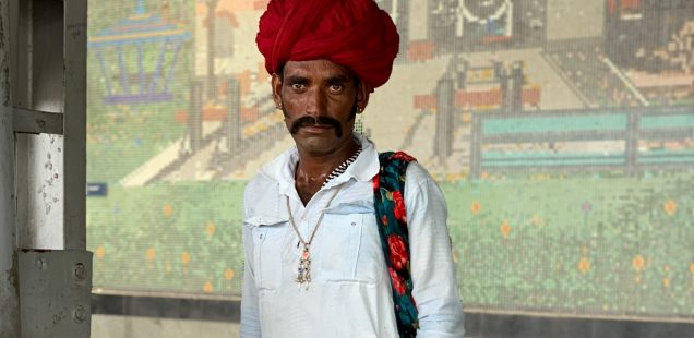 City Style - The Shepherd Sartorialist, Gurgaon Railway Station