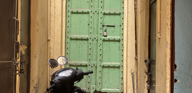 City Monument - Green Door, Galli Chooriwallan Street