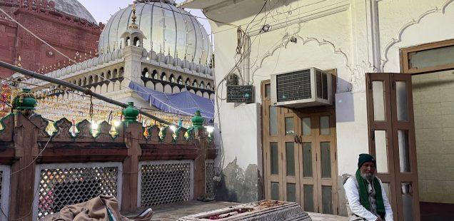 Mission Delhi - Muhammed Naeem Khan, Hazrat Nizamuddin Auliya's Dargah